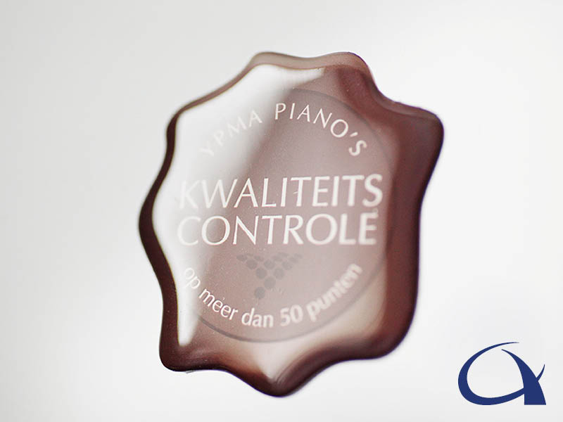 Ypma Piano's kwaliteits controle doming sticker